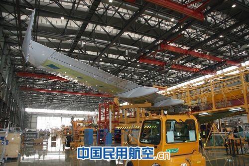 中航飞机西飞天津公司交付首架a320鲨鱼鳍机翼