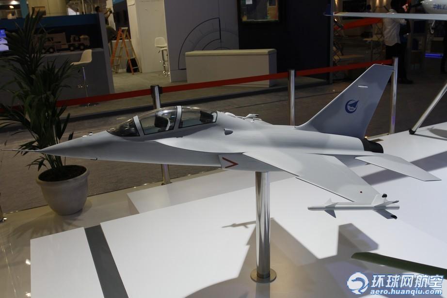 模型和l-15飞行模拟器