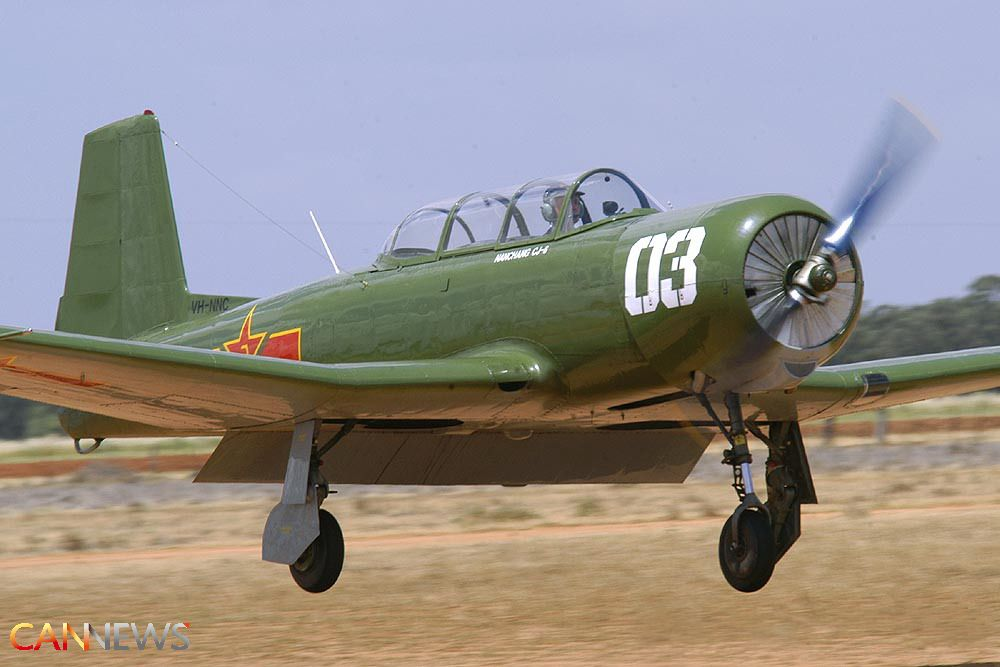 初教-6是中国南昌飞机制造公司研制成功的串列双座初级教练机。1957年7月开始设计,1958年8月27日原型机首次试飞,1962年1月定型投入批生产。初教-6安全可靠,不仅中国空军大量使用,而且还出口到阿尔巴尼亚、孟加拉、柬埔寨、朝鲜、坦桑尼亚和赞比亚等国。
