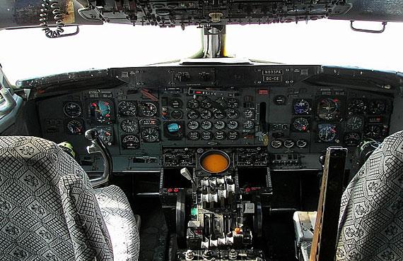 707客机驾驶舱_航空产业