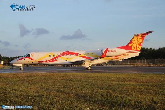 的legacy650私人飞机2月12日傍晚空降新加坡樟宜国际机场(简称