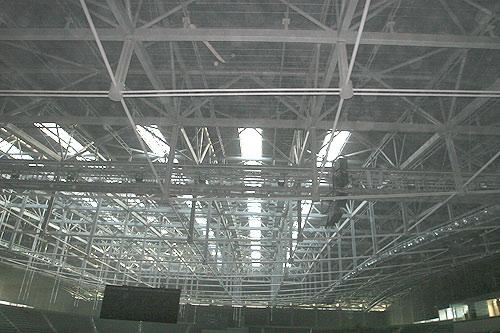 大跨度钢梁屋顶结构