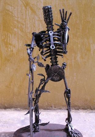 骷髅海马显微镜兔子雕塑 来源:myspace; 位面超级狂人军火商人图片