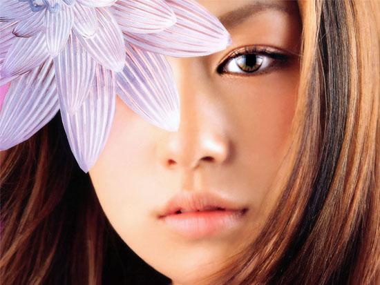电眼美女更性感组图