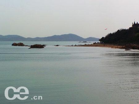青岛现代海滨风景画
