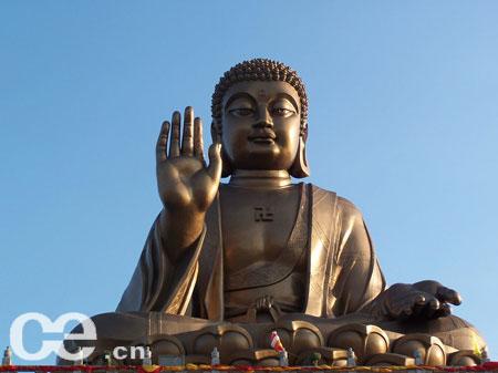 南山旅游风景区是国家首批授予187处aaaa级景区之一,它位于山东省烟台